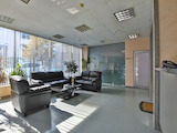 Просторни помещения и много естествена светлина в сграда клас А, кв. Лозенец. Наем 7 €/м2.