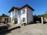 Хубава селска къща с гараж  на 34 км от Велико Търново