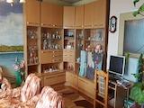 Просторен тристаен апартамент в центъра на Пловдив