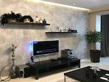 Луксозен апартамент с отделна кухня в централния жилищен район Кършияка