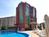 Двустаен апартамент с гледка към басейн