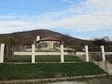 Прекрасна къща в село Съдиево с красива градина