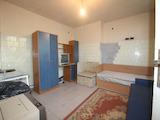 Имот с жилищна и търговска част в град на 13 км от Велико Търново