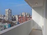 Светъл двустаен апартамент в комплекс Зорница в Бургас