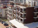Тристаен апартамент в луксозна сграда в Свети Влас
