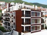 Тристаен апартамент в елитна сграда на 100 м. от плажа в Свети Влас