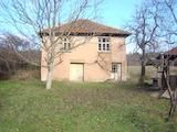 Селска къща в живописно село в планински район недалеч от гр. Белоградчик