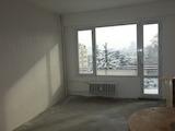 Просторен тристаен апартамент в кв.Бъкстон