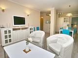 Комфортен и функционален тристаен апартамент в идеалния център на София
