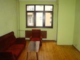 Тристаен апартамент в идеалния център на столицата