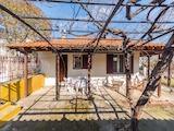 Къща  в  Метаморфоси
