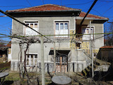 2-storey house with large yard at the foot of Sredna Gora mountain