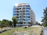 Тристаен апартамент в престижна жилищна сграда в центъра на Бургас