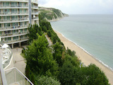 Двустаен апартамент в затворен комплекс до морето