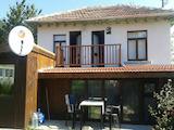Реновирана двуетажна къща в село на 10 км от Велико Търново