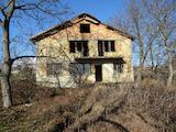 Къща и парцел с. Здравец, община Аврен