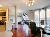 Обзаведен апартамент с три спални в затворен комплекс с басейн в престижния кв. Изток