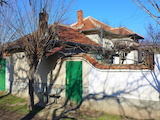 1-storey house with large yard close to the town of Brezovo