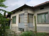 Eдноетажна къща с гараж  само на 30 км от Велико Търново