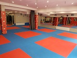 Спортна зала до МОЛ България