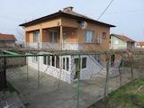 Разкошна двуетажна къща на 10 км от Пазарджик