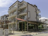 Attractive complex of 2 hotels and a guest house in the popular seaside resort of Ravda