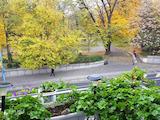 Тристаен мансарен апартамент в супер центъра на Пловдив