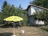 Двуетажна къща в село близо до гр. Добрич