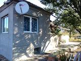Къща с двор в село до гр. Добрич