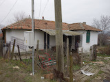 Парцел с къща за продажба близо до Слънчев Бряг