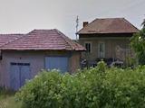 Двуетна къща с гараж село на 39 км от Велико Търново