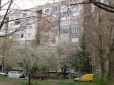 Тристаен апартамент в кв. Надежда 1