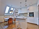 Просторен апартамент с модерен и добре планиран интериор, кв. Витоша