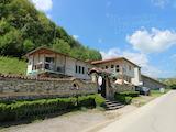 Къща за гости с басейн и промишлено хале до Троянския манастир