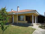Прекрасна къща с двор до Каварна, нос Калиакра и плаж Болата