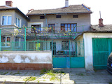 Two-storey house with yard and two garages in the town of Elhovo