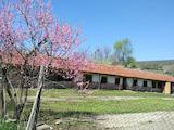 Стопански двор с възможжност за ферма до Ловеч