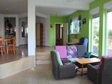 Трехэтажный дом в аренду в 5 минутах от пляжа в Сарафово, г. Бургас