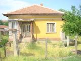 Необзаведена едноетажна къща в село Ракитница