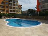 Просторен и светъл тристаен апартамент в комплекс с басейн Дариус