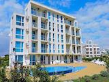 Тристаен апартамент на първа линия до плажа в Сарафово