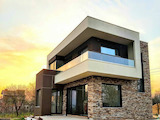 Модерна нова къща с двор и басейн в село Близнаци