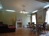 Четиристаен апартамент в центъра на гр. Варна