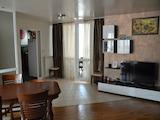Тристаен апартамент в централната част на Варна