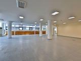Просторен офис в луксозна сграда в кв. Хаджи Димитър