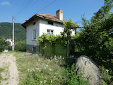 Mountain house with yard 9 km from ski resort Borovets
