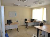 Под наем просторен офис в централна част на Варна