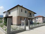 Нова къща с веранда и френски прозорци на 5 км от Пловдив