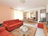 Обзаведен апартамент на три етажа в кв. Витоша