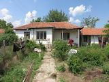 Селски имот на 25 км от Пловдив